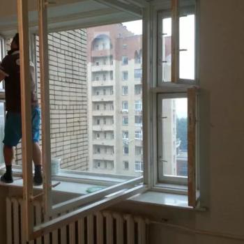 замена стекла в дереянном окне фото